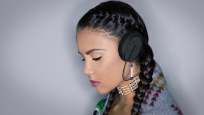 Isoalting earphone